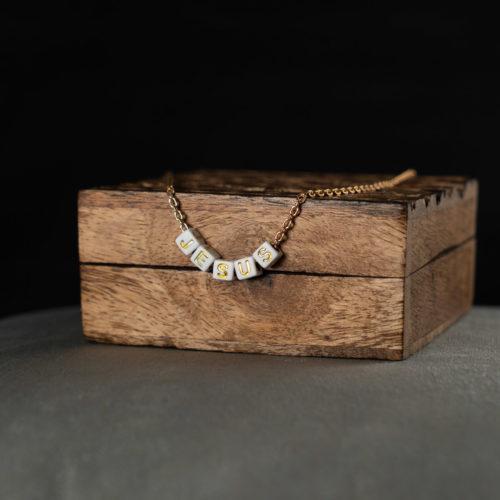 CoeurEnvie - collier jesus or acidulés - bijoux