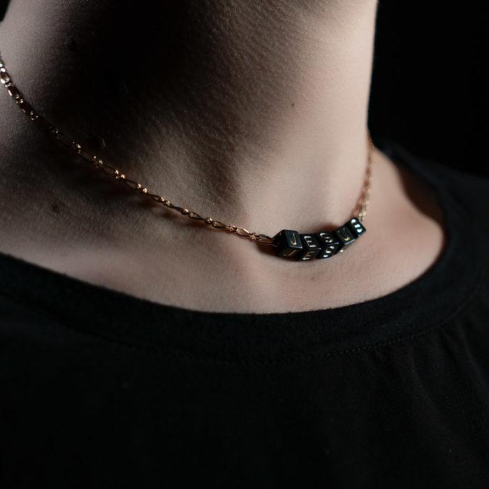Coeur Envie - jesus acidulés perle noire or chaine - bijoux